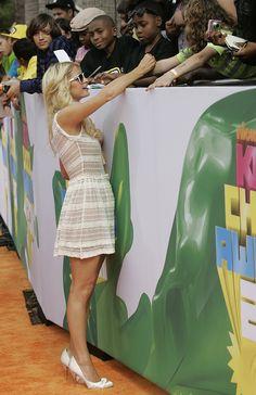 Paris Hilton Leggy 24th Annual Nickelodeon's Kids' Choice Awards in LA 04/03/11