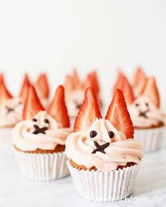 12 x inspiratie voor de paasbrunch met kinderen - Elkeblogt Fondant Cupcakes, Cupcake Cookies, Foundant, Cake Business, Tea Party Birthday, Savoury Cake, Sweet Cakes, Easter Recipes, High Tea