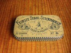 Stecknadeldose - Stahlstecknadeln: Feinste Stahl - Stecknadeln HIRSCH Gramm, Work Tools, Vintage Tins, Tin Boxes, Pincushions, Needlework, Enamel, Sewing, Antiques
