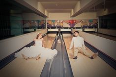 Esküvői fotózás a bowling teremben