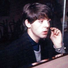 Image shared by Samira. Find images and videos about john lennon, Paul McCartney and mclennon on We Heart It - the app to get lost in what you love. Beatles One, Beatles Photos, My Love Paul Mccartney, El Rock And Roll, Sir Paul, The Fab Four, Saddest Songs, Ringo Starr, George Harrison