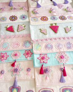 - Viral Crochet Ideas and patterns - Kosmetisch Crochet Towel, Crochet Fabric, Crochet Doilies, Crochet Designs, Crochet Patterns, Crochet Ideas, Sewing, Knitting, Model