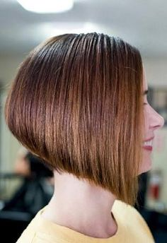 Classic A-line bob Angled Bob Hairstyles, Bun Hairstyles, Short Hair Cuts, Short Hair Styles, Angled Bobs, Haircut And Color, Bowl Cut, Hair Pins, Hair Beauty