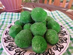 Sisters Do Food and Fitness: Pistachio Pudding Cake Balls Pistachio Pudding Cake, Valentines Day Cakes, My Recipes, Balls, Avocado, Sisters, Fruit, Healthy, Fitness