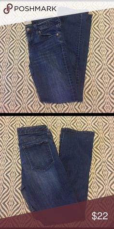 """Banana Republic Dark Stretch Jean 27"""" inseam: boot cut 28""""/6P......* These items are put up and not worn after pictures are taken Please note, I do my best to inspect and go into detail to my best ability on each item, please ask any and all questions before purchasing* I really want everyone to be satisfied and ❤️ their items! Banana Republic Jeans Boot Cut"""