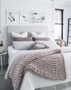 Insanely cozy ways to decorate your bedroom for fall A chunky knit wool throw adds texture and interest to a gray and white bedroom.A chunky knit wool throw adds texture and interest to a gray and white bedroom. Fall Bedroom, Cozy Bedroom, Girls Bedroom, Bedroom Decor, Bedroom Ideas, Master Bedroom, Bedroom Inspiration, Bedroom Interiors, Bedroom Furniture