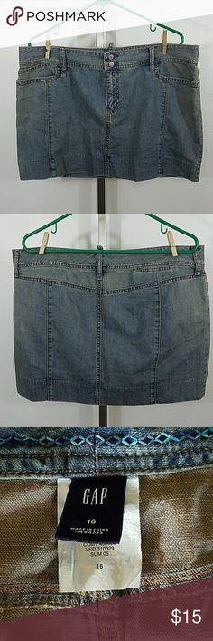 "Mini Denim Skirt From The Gap Mini Denim Skirt From The Gap. In great condition. Size 16. Waist 38"" Length 15"" 100% Cotton GAP Skirts Mini"