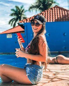 40 ideas de fotos que te darn un antes y despus en tu - Mckela Story Instagram, Foto Instagram, Pool Poses, Beach Vibes, Pool Picture, Insta Photo Ideas, Love Is In The Air, Trendy Swimwear, Summer Photography
