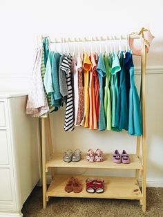 Learn how to build a kids wood clothing rack otherwise known as an open wardrobe! Wood Clothing Rack, Kids Clothing Rack, Diy Clothing, Boutique Clothing, Open Wardrobe, Diy Wardrobe, Wardrobe Clothing, Bedroom Wardrobe, Armoires Diy