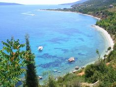 Crystal water, Glyfa beach - Alonissos, Greece Mykonos, Santorini, Beach Scenes, Greece Travel, Dream Vacations, Beautiful Beaches, Athens, Bellisima, Summer Beach