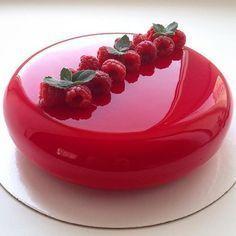 Fancy Mirror Cake by Olga Noskova wedding party glass red gorgeous amazing Mirror Glaze Recipe, Mirror Glaze Cake, Mirror Cakes, Cake Glaze, Creative Cake Decorating, Creative Cakes, Delicious Desserts, Dessert Recipes, Yummy Food