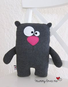 ♥ …Kuschelbär… ♥ - New Sites Sewing Toys, Baby Sewing, Sewing Crafts, Sewing Projects, Sewing Ideas, Monster Dolls, Felt Monster, Sewing Stuffed Animals, Stuffed Animal Patterns