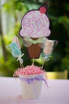 Centro de mesa Cupcake Decorations, Ice Cream Party, Centerpieces, Baby Shower, San, Christmas Ornaments, Holiday Decor, Birthday, Kids