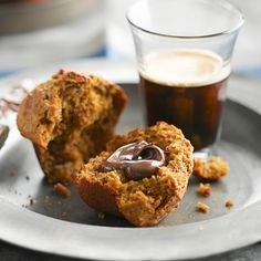 De bons gros muffins copieux, moelleux et pas trop sucrés, agrémentés d'une riche saveur de mélasse.