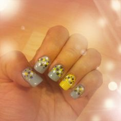 Grey-yellow nails by Helka