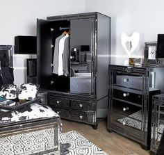 Diamond Glitz Noir Smoked Mirrored Vanity Dressing Table Mirror Bedroom Styles, Bedroom Colors, Bedroom Decor, Bedroom Makeovers, Kids Bedroom, Bedroom Dressing Table, Dressing Table Mirror, Cool Room Decor, Cool Rooms