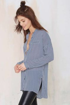 Nasty Gal Straighten Your Act Striped Shirt - Tops Traje Casual, New Outfits, Fashion Outfits, Boho Festival Fashion, Festival Style, Casual Elegance, Poses, Pretty Outfits, Shirt Blouses