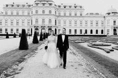 Pre-wedding engagement shooting at Belvedere Palace Vienna Austria by international wedding photographer Claudia Magas Ladies & Lord Wedding Shoot, Wedding Blog, Wedding Dresses, Engagement Shoots, Wedding Engagement, Gray Weddings, Vienna Austria, Palace, Romantic
