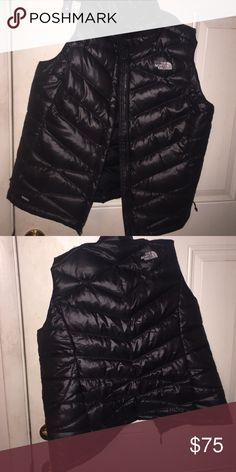 Women's north face vest Women's north face vest used in great condition size large zips in the front and on the pocket part😍 The North Face Jackets & Coats Vests