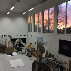 i want an art studio that looks exactly like this. i wish