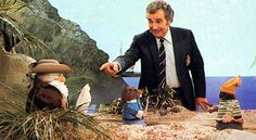 Michael Bentine's Potty Time, loved this programme, especially the invisible people.all you could see were footsteps in the snow or sand and stuff happening 1970s Childhood, My Childhood Memories, Great Memories, Vintage Television, Kids Tv, Big Kids, Old Tv Shows, Vintage Tv, Teenage Years