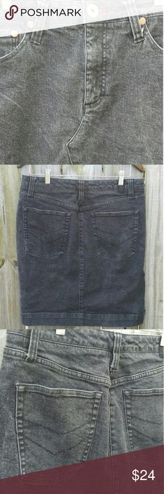 Tommy Hilfiger Retro black wash jean skirt-size 10 Tommy Hilfiger black acid wash jean skirt Black acid wash Length 20.5 inches Waist 32 Tommy Hilfiger Skirts Pencil
