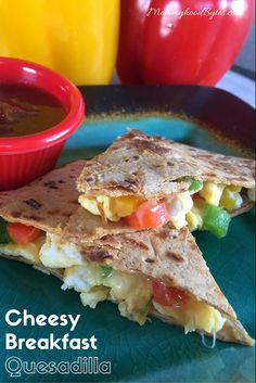 Cheesy Flatout Breakfast Quesadilla - My WordPress Website Healthy Dinner Recipes, Real Food Recipes, Healthy Snacks, Healthy Eating, Paleo Recipes, Delicious Recipes, Clean Eating, Tasty, Healthy Breakfast Options