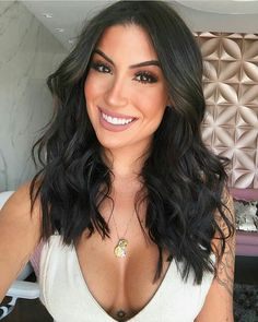 Black Hair Hair Care Tips. Creative ideas for fantastic looking hair. Your own hair is with Hair Care Tips. Creative ideas for fantastic looking hair. Your own hair is with Brown Blonde Hair, Dark Hair, Hair Inspo, Hair Inspiration, New Hair, Your Hair, Medium Hair Styles, Short Hair Styles, Hair Care Tips
