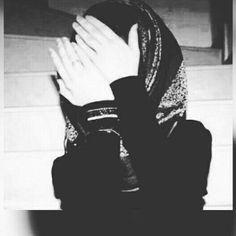 Niqab Fashion, Modern Hijab Fashion, Fashion Muslimah, Muslim Fashion, Arab Girls Hijab, Muslim Girls, Beautiful Muslim Women, Beautiful Hijab, Beautiful Hands