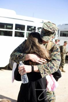 Kelly Mae: Keys to Surviving Deployment... For all us Military Wives (: