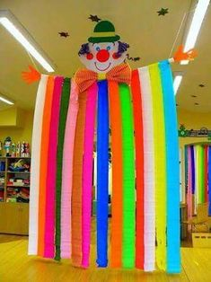 - Basteln - Best Picture For DIY Carnival booth For Your Taste You are looking for something, and it is going to tell y Kids Crafts, Clown Crafts, Circus Crafts, Carnival Crafts, Carnival Themed Party, Carnival Birthday Parties, Carnival Themes, Circus Theme, Circus Party