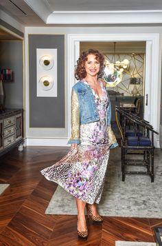 "Vicky Larraz: ""Me gustaría entrar en un reality con Marta Sánchez"" Floral, Skirts, Fashion, Pageants, Walk In, Moda, Fashion Styles, Flowers, Skirt"