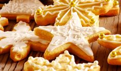 Recipe of the week: Iced Christmas Biscuits #flora #biscuits #Christmastreat #yummy #heartAfrica #SouthAfrica #TasteofHome #recipes