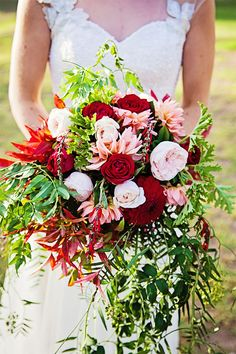 Berry Toned Bridal Bouquet | www.onefabday.com