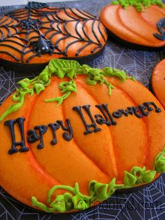 Halloween pumpkin cookies  Change to Happy THANKSgiving... :)!!