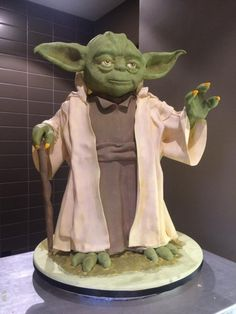 The Force is Strong by Bryson Perkins - http://cakesdecor.com/cakes/223500-the-force-is-strong