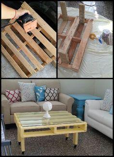 Mesa de centro hecha con paleta de madera.