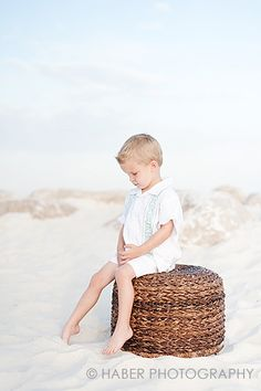 Smocked Auctions: Tips for Managing a Beach Photo Session with Kids; great tips with picture examples from a photographer in Orange Beach, AL. Beach Photography, Photography Business, Children Photography, Family Photography, Photography Ideas, Travel Photography, Beach Family Photos, Beach Pictures, Cute Pictures