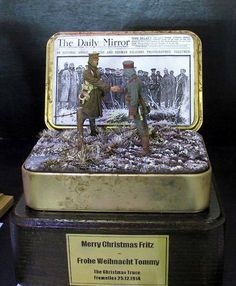 Friday Figures Christmas Edition: Nicely executed vignette of the 1914 Christmas Truce presented in a Princess Mary Tin. Figures on Friday for 18december2015 from the Michigan Toy Soldier Company. Find us at www.michtoy.com