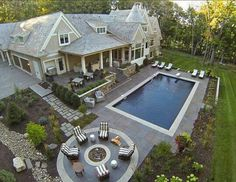 Dream house... I would have a bigger pool, but I love the house!!