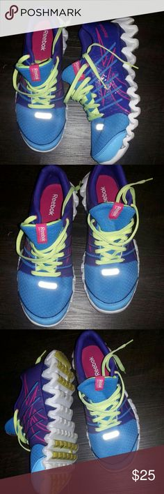 Reebok Athletic 6 Brand: Reebok Size:6 Woman Athletic Like New I clean them Fast Shipping Bunddles Accepted Follow Me For New Items Every Week Reebok Shoes Athletic Shoes