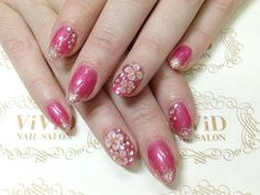 【No.22】silver glitter on the tip gives the gorgeousness to the pink nails♥︎plus 3D flower and Swarovski stones as a featured nail! ピンクカラーの先端にシルバーラメでゴージャスに!さらに1本ずつ3Dのお花も入れて、可愛らしさもプラス♡ #vividnailsalonsydney#calgel#sydney#nail#nails#nailart#art#nalisalon#gelnail#japanesenailart#ネイル#ネイルアート#ジェルネイル#カルジェル#美甲#指甲