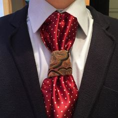 A slight mod on the floating spiral using a Sterling Scott tie