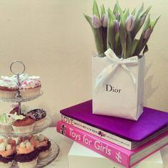 Cupcake, Dior, flowers