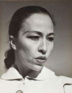 Carmelita Maracci - C Edward Weston Mexico, 1937