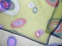 """pañuelo de seda """"círculos verde"""" / almudena del pozo. pintura en seda - Artesanio"""