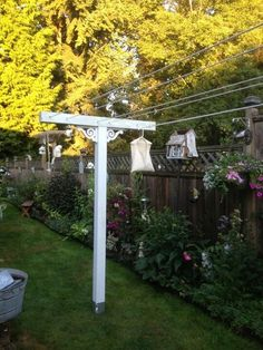 Clothes line ~ Might look cute around the patio :) Back Gardens, Outdoor Gardens, Vibeke Design, Vintage Laundry, Exterior, Light Bulb Types, Outdoor Living, Outdoor Decor, Garden Projects