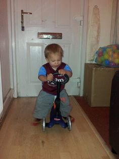 Ryan Scoots Up & Down my hallway ALL day x