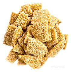 Crunchy Sesame Brittle, so EASY to make! With sesame seeds, sugar, and honey. Sesame Brittle Recipe, Brittle Recipes, Healthy Foods To Eat, Healthy Dinner Recipes, Cooking Recipes, Healthy Desserts, Keto, Paleo, Mini Hamburgers