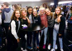 Både en jente uten hår, en psykolog, dyktige artister og Kronprins Haakon fascinerte og imponerte de unge i Asker kulturhus under inspirasjonskvelden Engasjer deg tirsdag.